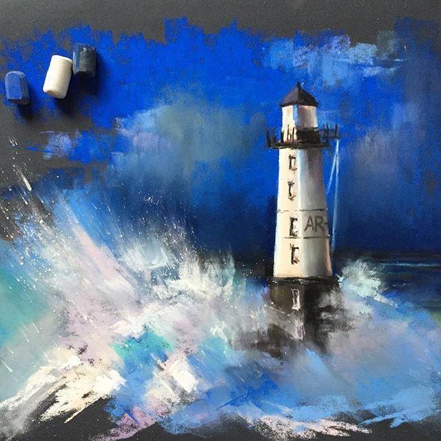 Ну что, все встретили сегодняшнее субботнее утро в компании @elenatatkina и @kalachevaschool ? Здорово ведь было, правда?! Лена, спасибо тебе огромное за такую возможность порисовать вместе с тобой #пастель #маяк #море #рисуюпастелью #softpastel #softpastels #sea #kalachevawebinar #kalachevaschool #lighthouse
