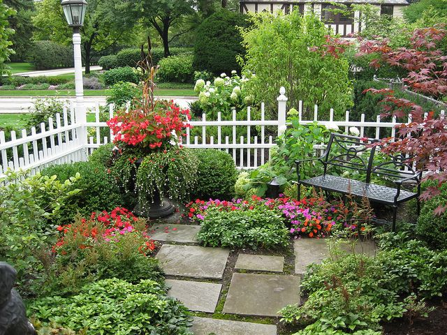 Outdoor Landscape Sitting Area | garden sitting area enjoy the seasons in this gorgeous garden with ...
