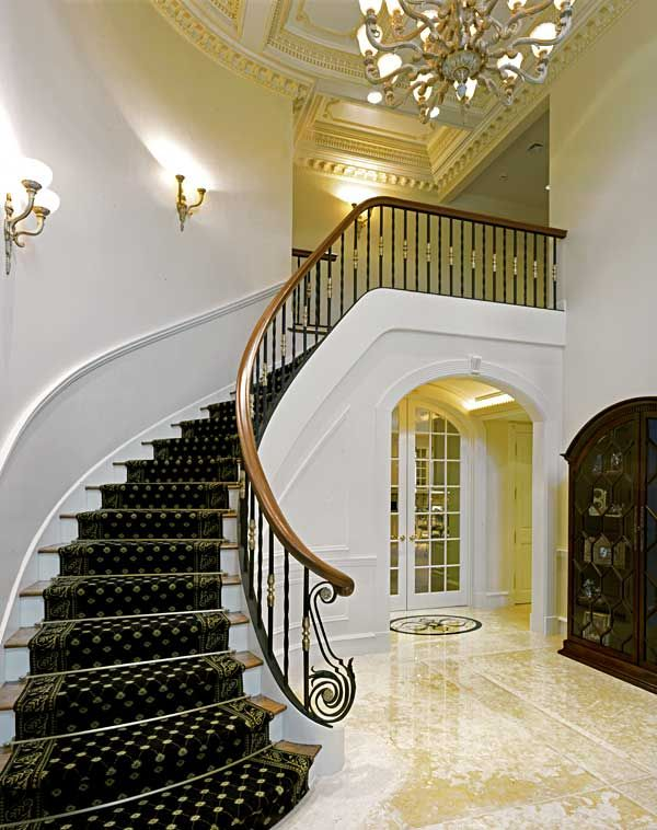 Amazing Ideas for Decorating Entrance Hall