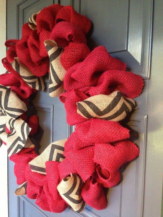 2013 DIY Christmas Burlap Wreath, Christmas Wreath with Burlap Chevron Ribbon Door Decor #2013 #diy #christmas #burlap #wreath www.loveitsomuch.com