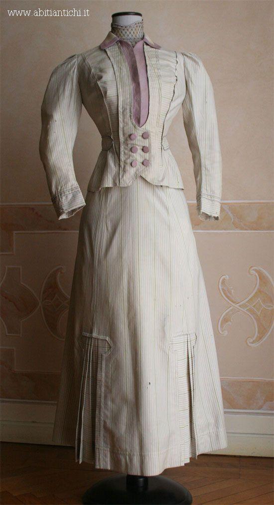 Completo sportivo in tre pezzi (corpino, gonna e giacca) in lana. 1907