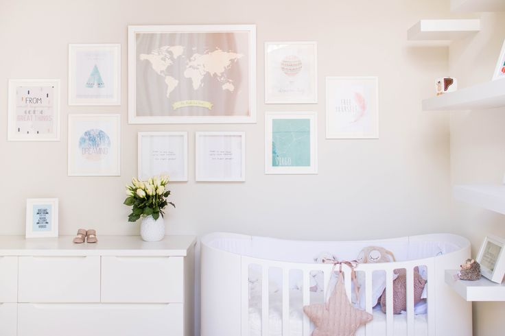 Лугано (Швейцария) - Детский сад Создание уютного, современного и гендерно-нейтрального дизайна комнаты для новорожденного может быть нелегкой задачей в 12 кв м., особенно если одна из стен полностью занята шкафом, а другая представляет собой окно. Расположение