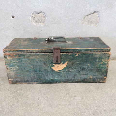Vintage Green Tool Box – www.UrbanAmericana.com