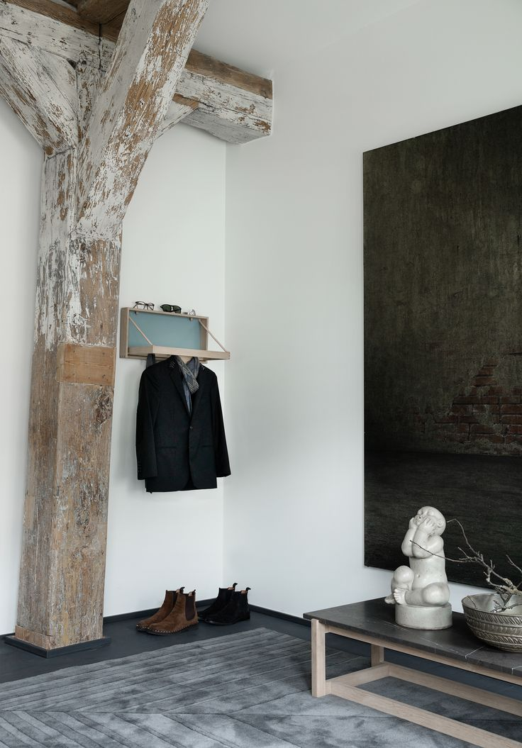 The Hanger was designed in 1964 by Adam Hoff & Poul Østergaard and has a unique way for hanging up your jacket and bring life to a room.