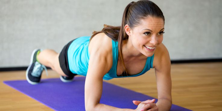 Eén van de meest effectieve oefening die je kunt doen is planking. Met een relatief korte inspanning kun je grote resultaten boeken.