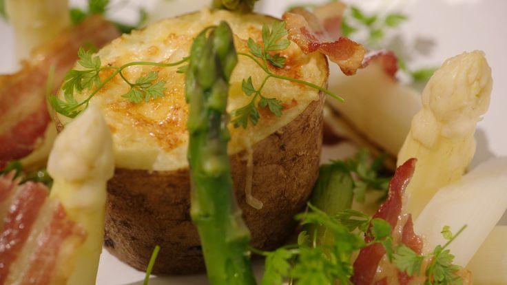 Recept gevulde aardappel met ei, spek en kaas