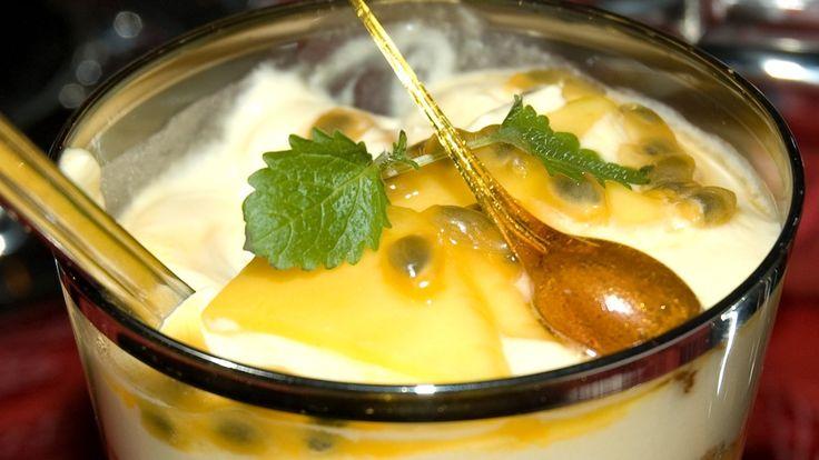 KJEMPEGOD! I «Kvelden før kvelden» i 2007 kåret kokk Lise Finckenhagen denne mango- og prasjonsfruktkrem til vinneren i programmets dessertkonkurranse. Vinneren er Aslaug Veåsen fra Kristiansand.