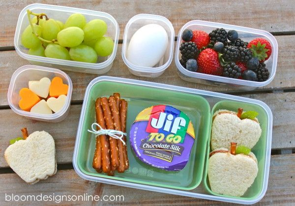 Back to school lunch: Jif To Go Chocolate Silk Cup and pretzel dipping sticks. #abetterlunch #pmedia