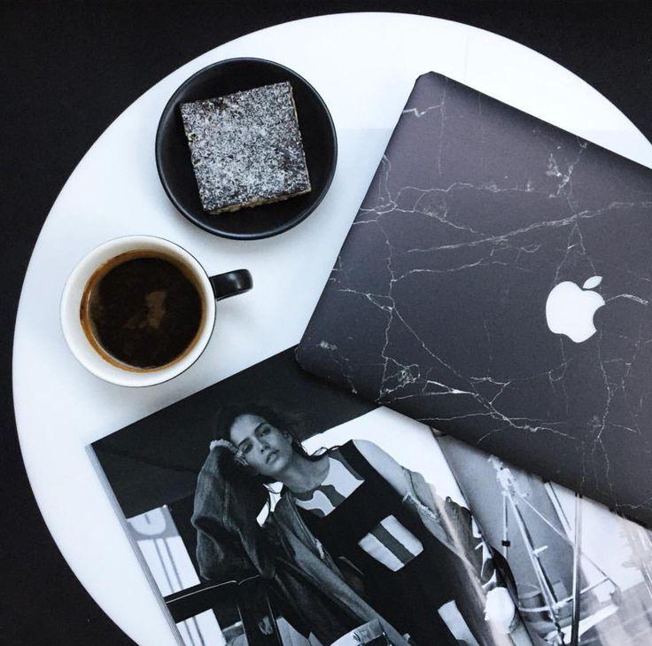 Chic black marble MacBook laptop skin from UniqFind #flatlay #flatlayapp