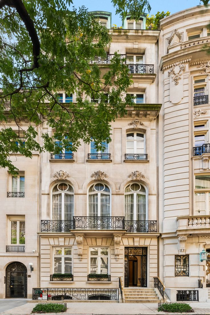 'Versailles' on the Upper East Side hits the market as a