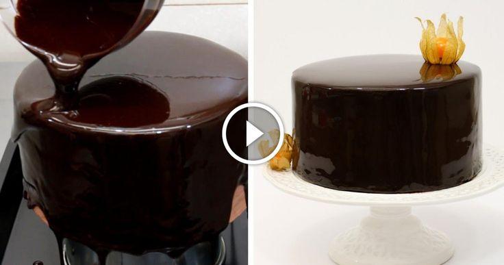 Un altro modo di decorazione delle torte è la cosiddetta glassa al cioccolato,che è di facile preparazione più di quanto si possa pensare.Gli