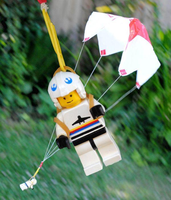 Los días lluviosos o muy fríos disfruto haciendo manualidades para niños. Entretener a los peques dentro de casa no es tarea sencilla, así que estoy siempr