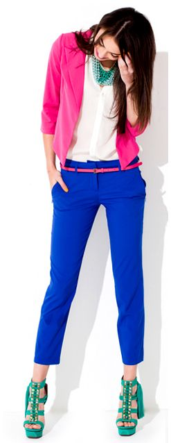 Pink blazer and royal blue crop pants and Kelly green shoes. Love this combo. Kelly green is so in right now.