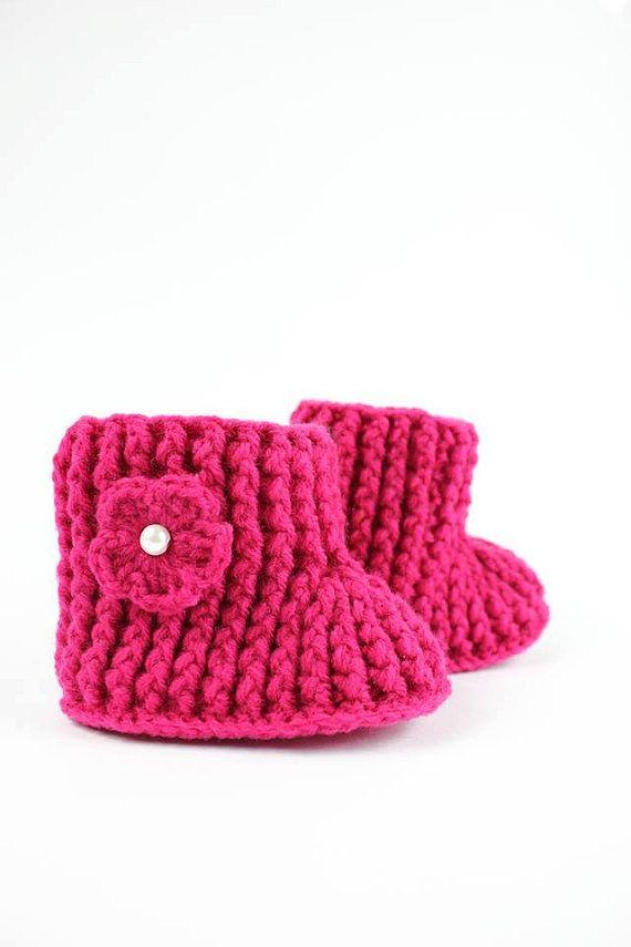 Hey, j'ai trouvé ce super article sur Etsy, chez https://www.etsy.com/ca-fr/listing/253618274/crochet-baby-boots-bottillons-crochetes