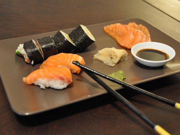 Φτιάξε κι εσύ sushi στο σπίτι. Μπορείς - OneMan Food - ΔΙΑΣΚΕΔΑΣΗ   oneman.gr