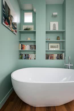 Casas de banho modernas por Decorexpat