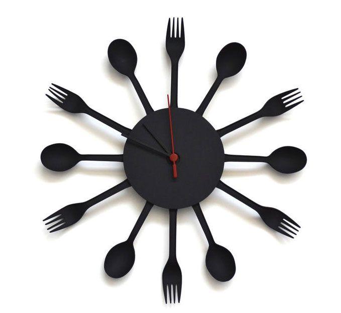 Plastik Çatal ve Kaşıklarla Saat Yapımı