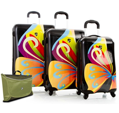 """Inspired by elegance, beauty and function, the new Heys 3 Piece Fashion Spinner Luggage Set with 15"""" Packmate is an exemplar use of the latest technology and most trendsetting designs. #ilovetoshop"""