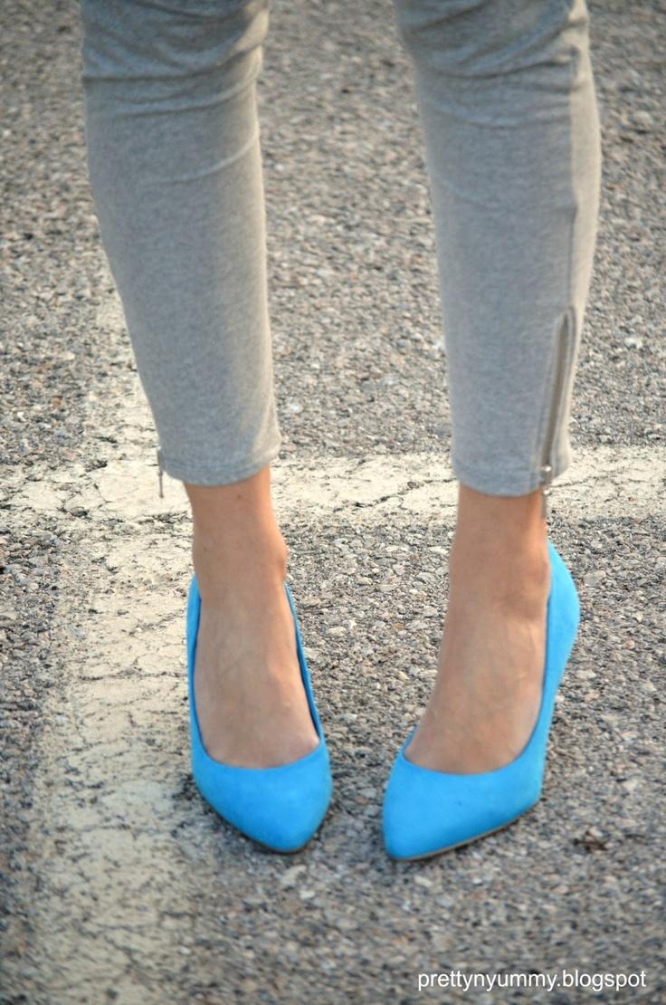 bright blue suede shoes HM