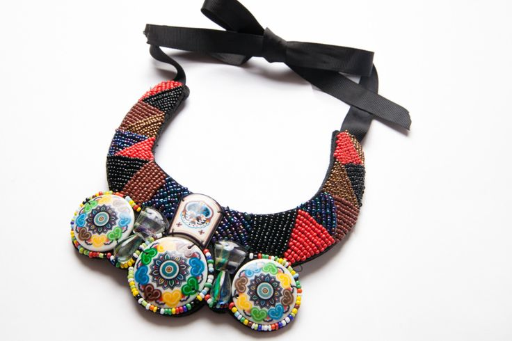 "colier ""estival"" - 30 lei   ——  summer beaded necklace - 7 euros"