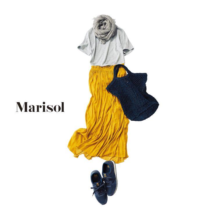 エレガントな印象のシャーリングスカートをTシャツでラフに着崩してMarisol ONLINE 女っぷり上々!40代をもっとキレイに。