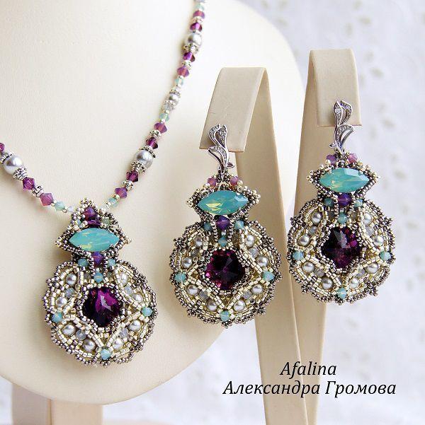 """Купить Комплект """"Утро на веранде"""" - фиолетовый, серебряный, бирюзовый, серый, белый, серьги с кристаллами"""