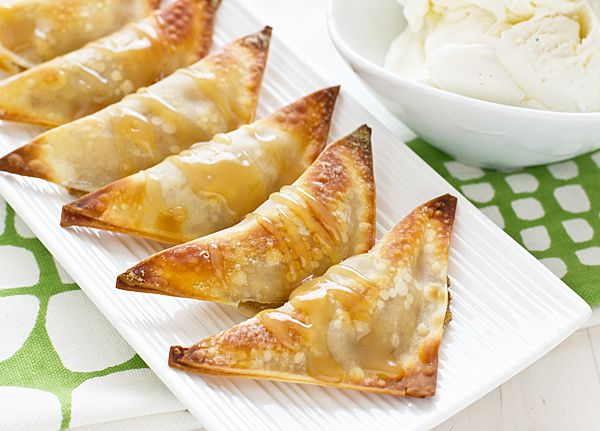 Baked banana wontons  1 banana mashed  1/8 t cinnamon  16 wonton wrappers  Mix banana and cinnamon. Spoon mix in center of wonton wrapper. Brush edges with water to seal. Brush both sides with coconut oil. Bake for 8-10 minutes at 400 til browned and crispy.  Drizzle with caramel