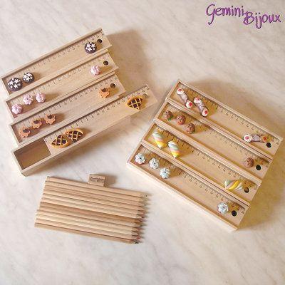 Set matite colorate, temperino, righello decorato con dolcetti in fimo
