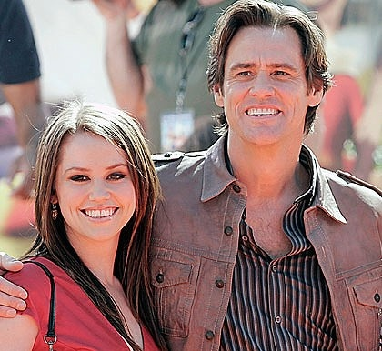 Jim Carrey's daughter makes it through to Hollywood at American Idol's San Diego Auditions! (1-22-12)