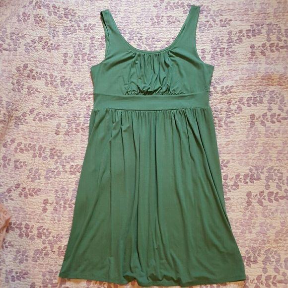 Sleeveless Empire Waist Dress Green sleeveless empire waist dress. Worn one time and has no flaws. Merona Dresses Midi
