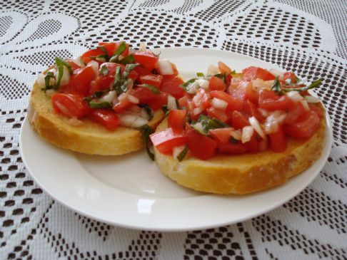 Quick Bruchetta Recipe , tomatoes, onion, garlic, olive oil, parsley, salt and pepper