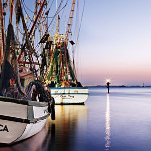 South Carolina | 10 Best Seafood Spots | SouthernLiving.com