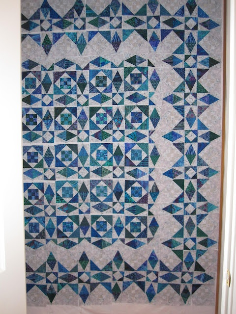 LOVE this border for a Storm at Sea quilt!