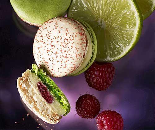 Raspberry & Lime Macaroons! <3 <3 <3
