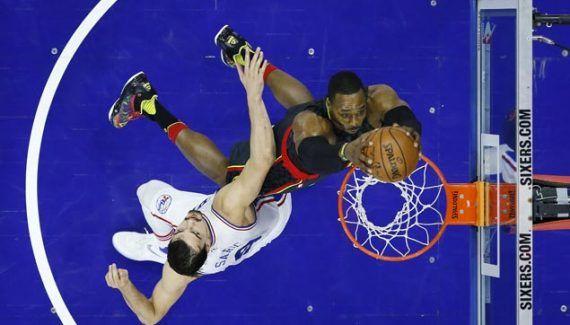 Sixers – Hawks : Dwight Howard, le démolisseur -  Vainqueur d'une courageuse équipe de Philadelphie, Atlanta enchaîne une seconde victoire de suite (99-92). Bousculés, les Hawks ont pu compter sur la présence physique de Dwight Howard (22 points et… Lire la suite»  http://www.basketusa.com/wp-content/uploads/2017/03/Dwight-Howard-570x325.jpg - Par http://www.78682homes.com/sixers-hawks-dwight-howard-le-demolisseur homms201