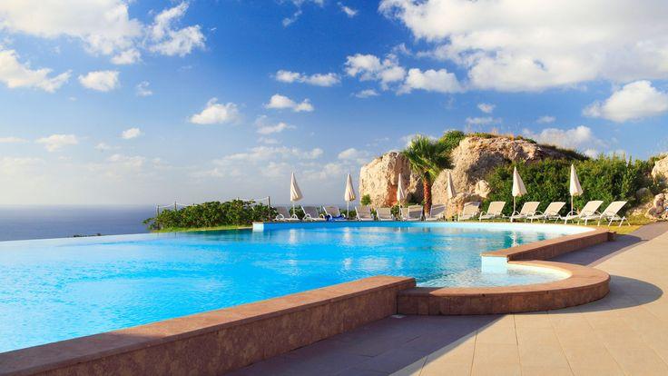 The pool at Il Parco degli Ulivi, Sicily