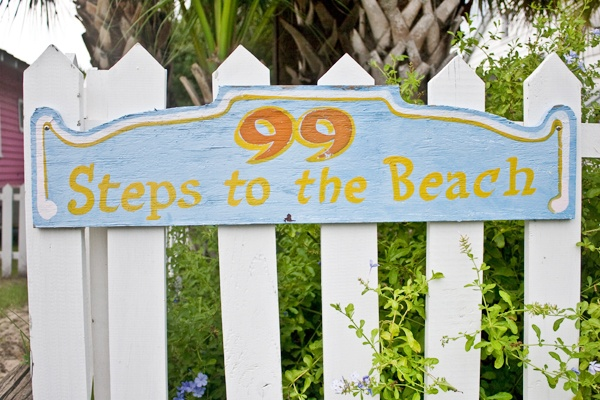 great ideas: Dreams Houses, Beaches Signs, Lakes Houses, Beachfront Cottages, Beaches Bum, Beaches Houses Signs, Beaches Decor, Baby Step, Gates Signs