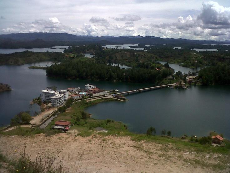 Represa Guatape-Colombia