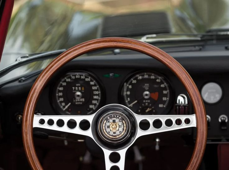 15 Ridiculously Sexy Photos Of A 1965 Jaguar E-Type