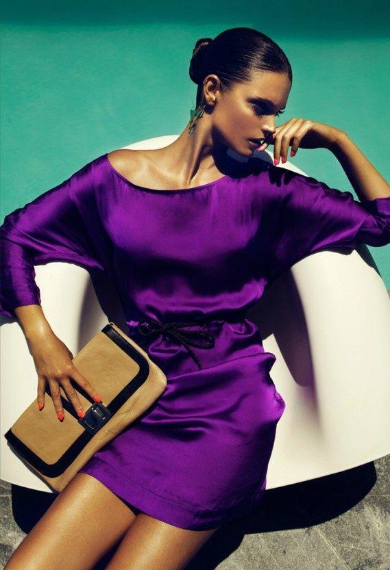 M O D E L U N A : Purple Beauty