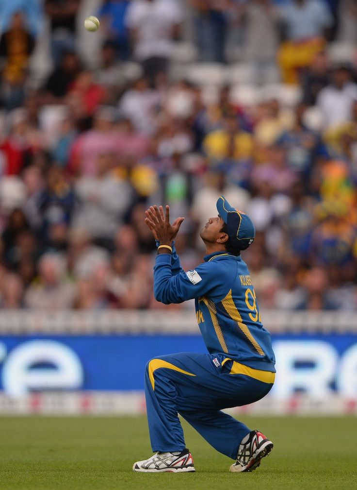 No gloves required in cricket...a big part of life in SL