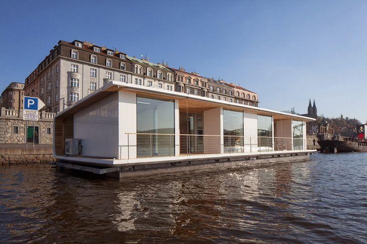 houseboat in Prague