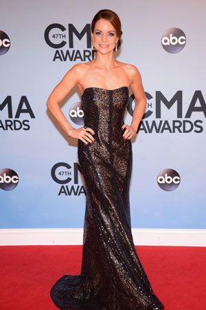 Kimberly Williams Paisley at the 2013 CMAs in Monique Lhuillier