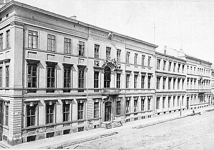 Klosterstraße 36, Palais von Kreutz, Gewerbeakademie, 1871
