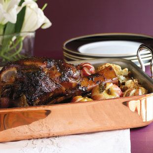 Recipe for Braised Veal Shank With Truffle Sauce, Roasted Apples And Cauliflower : La Cucina Italiana