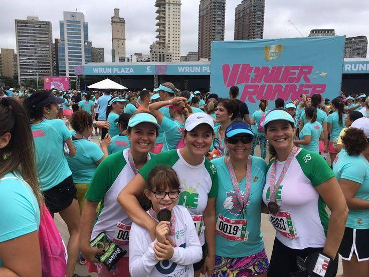 Mulheres do Espaço Elo participam do 'WRun', umas das maiores provas do país -   Presente nos maiores eventos esportivos do Brasil, quando o assunto é a corrida de rua, o Espaço ELO mais uma vez se fez presente em uma grande competição. Desta vez, a delegação formada apenas por mulheres, participou da oitava edição do WRun, uma das mais conceituadas corridas - http://acontecebotucatu.com.br/colunistas/espaco-elo/mulheres-espaco-elo-participam-wrun-umas-das-m