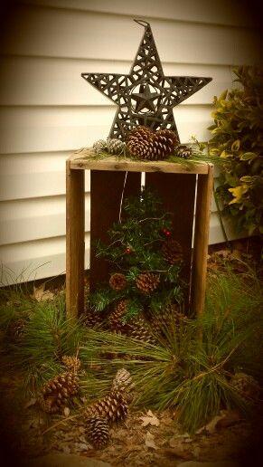 Primitive Christmas decor