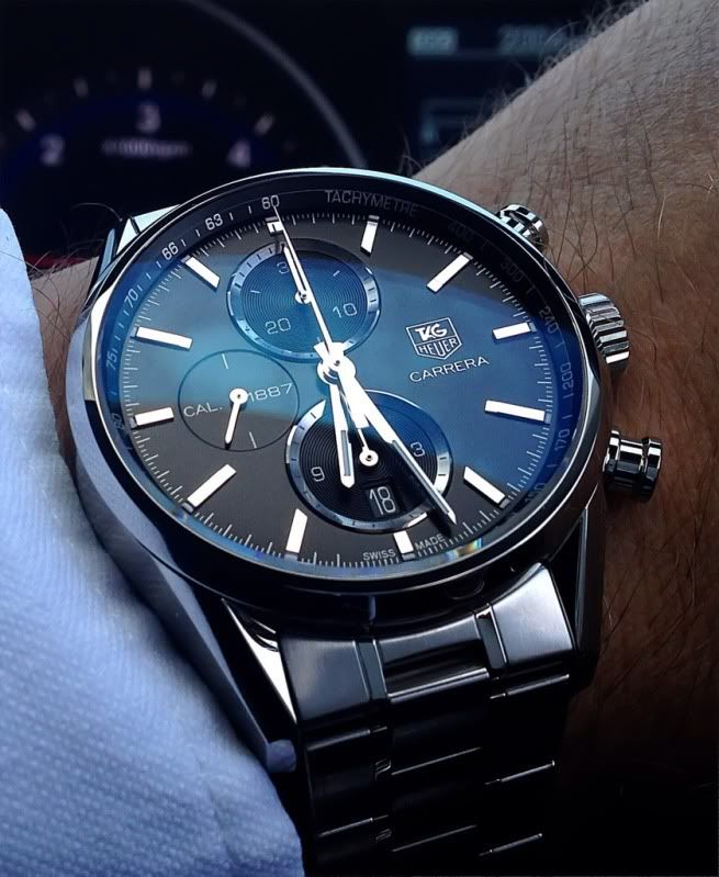 Let me say, this watch simply oozes class. I bought this new from the Westfields boutique in White City London last week and have worn it every day