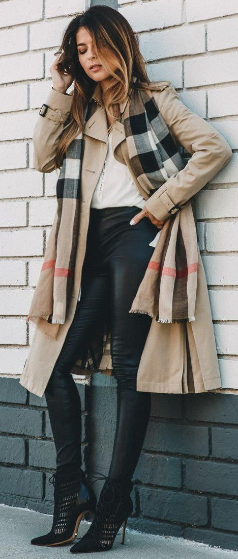 #fall #trending #street #outfits | Burberry Trench Coat + Plaid Scarf + Black And White