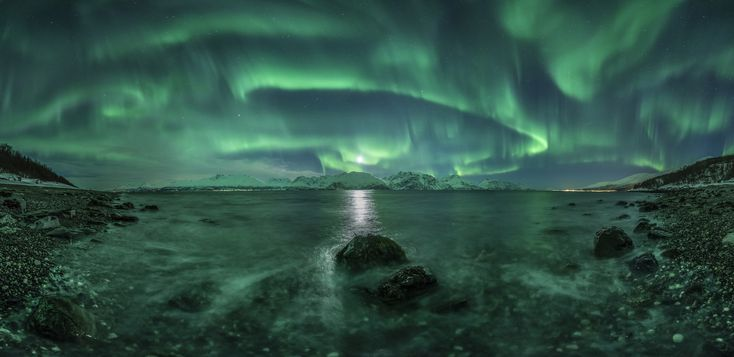 """The shortlist for the <a href=""""http://www.rmg.co.uk/whats-on/exhibitions/astronomy-photographer-of-the-year"""" target=""""_blank"""">Astronomy Photographer of the Year 2015</a> competition will give you the feels."""